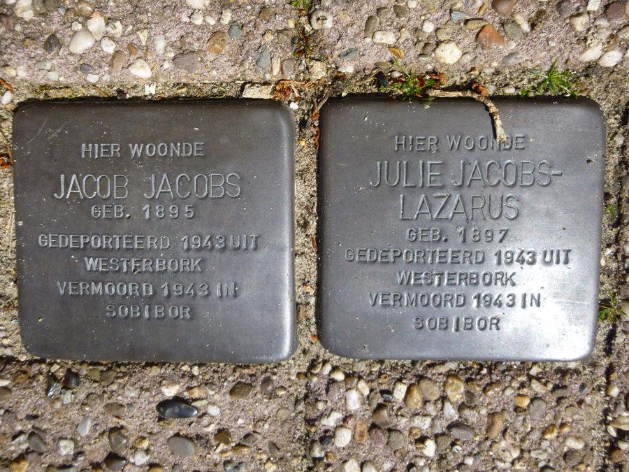 Stolpersteine für Jacob Jacobs und Julie Lazarus in Borne/Niederlande
