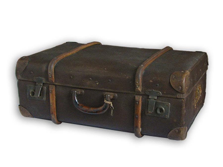 Koffer - ausgebombt in Dortmund. Leihgabe von Familie Simens.