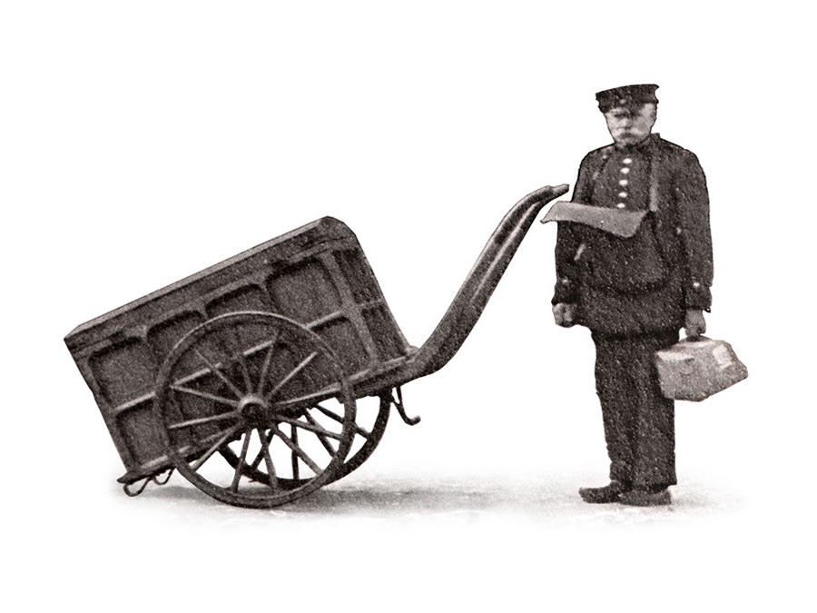 Postbote um 1900.