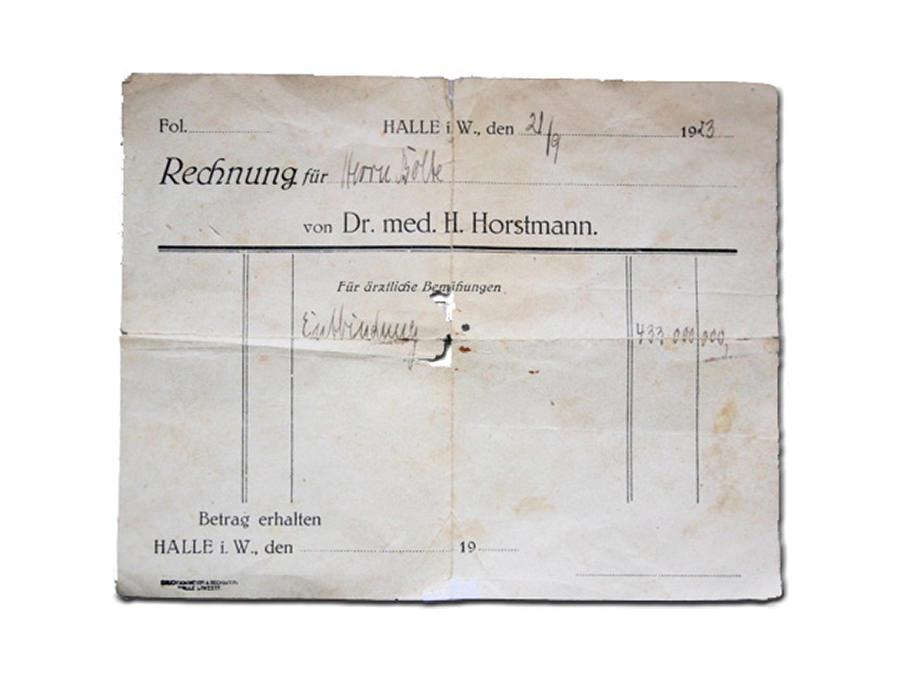 Inflation. Rechnung für eine Entbindung im September 1923. Leihgabe von Lore Bolte.