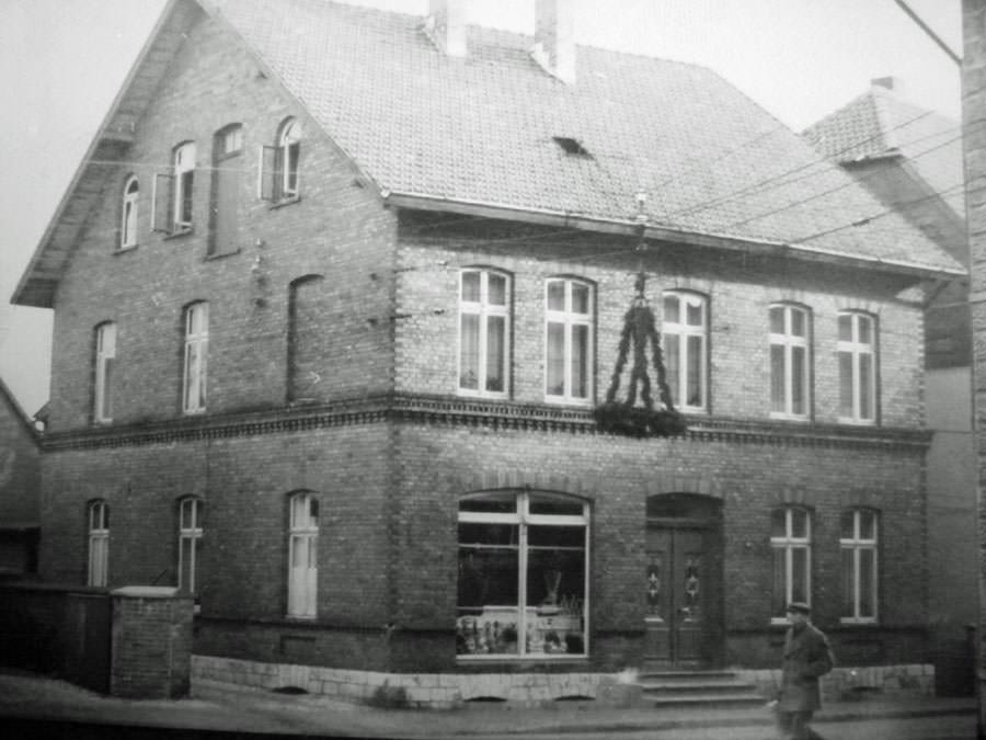 Haus Isenberg, später übernommen von dem Metzgergesellen Wilhelm Rieke, um 1950