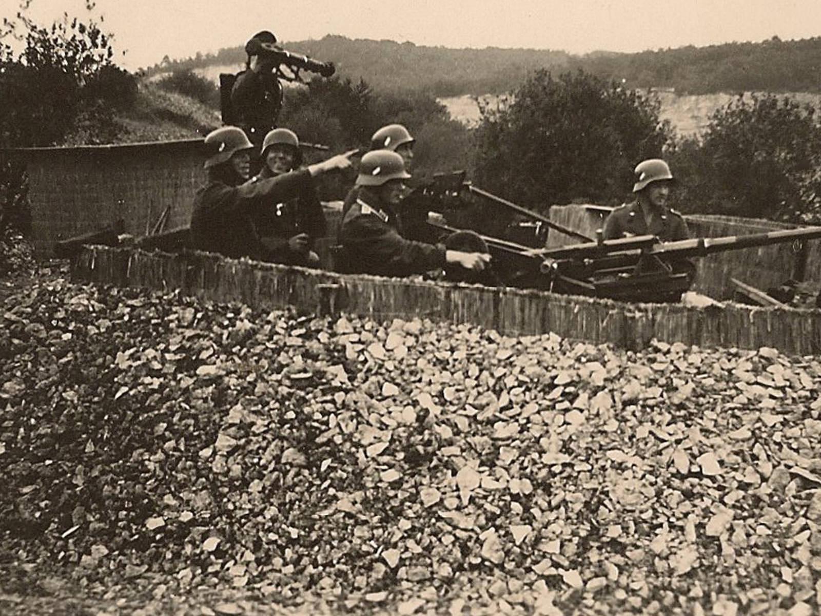 FLAK-Stellung im Steinbruch Künsebeck bei Halle Westfalen um 1944