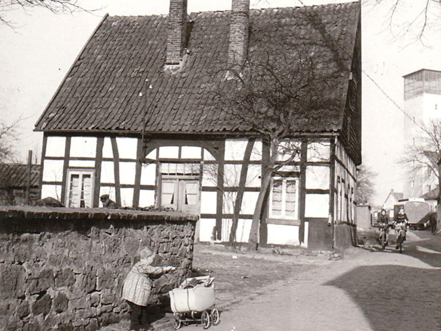 Armenhaus in Halle Westfalen. Aufnahme um 1950. Stadtarchiv Halle (Westf.)