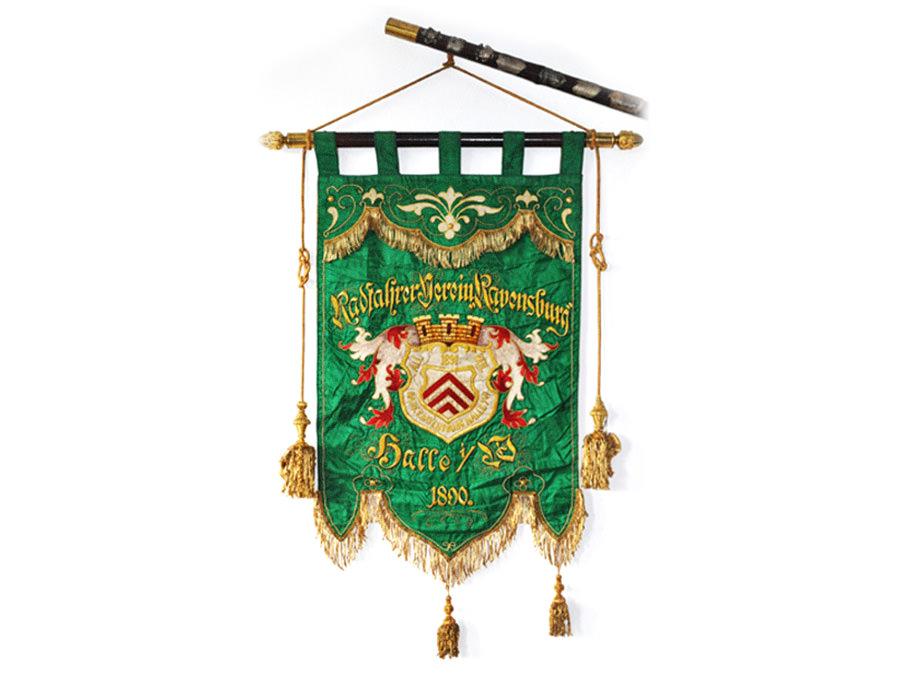 Fahne / Standarte des Radfahrer Vereins Ravensberg (Radfahrverein) gegründet 1890 Halle Westfalen bei Bielefeld.