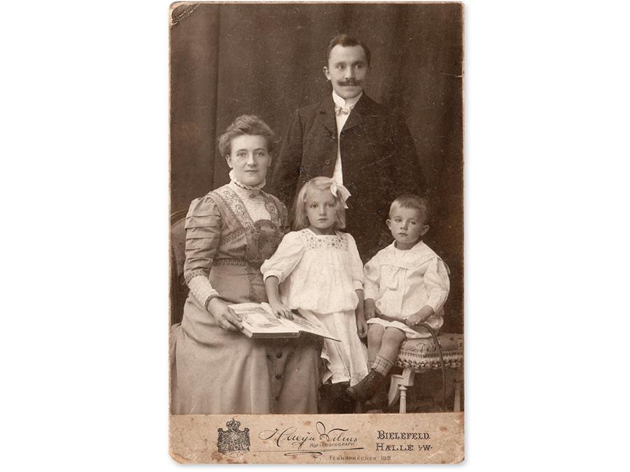 Familie Baumann 1910. Leihgabe von Christiane Vietmeyer.