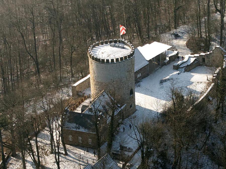 Burg Ravensberg bei Borgholzhausen von oben. Foto: Stiftung Burg Ravensberg.