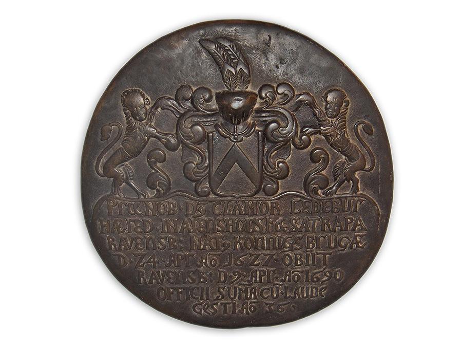 Sonderausstellung Haller Persönlichkeiten, Bronze-Epitaph Ledebur