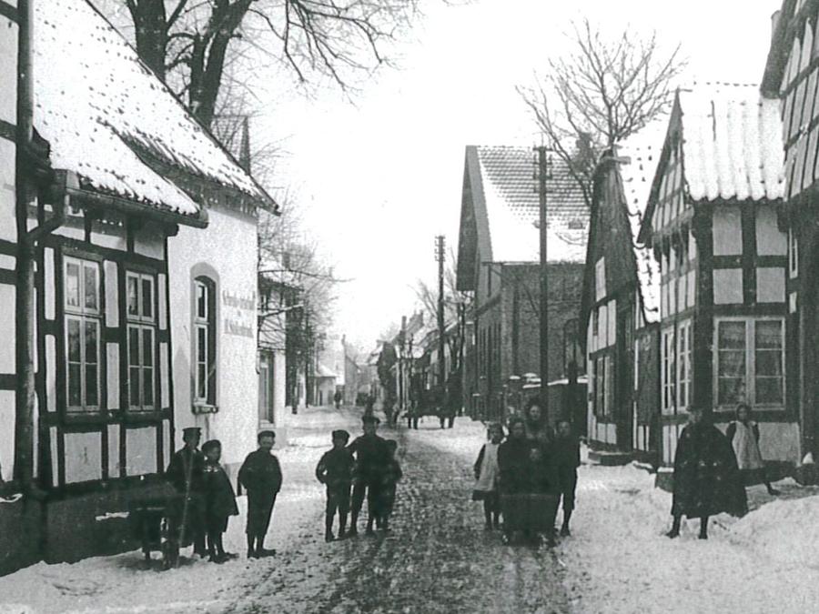 Lange Straße 1909 mit Haus Stern