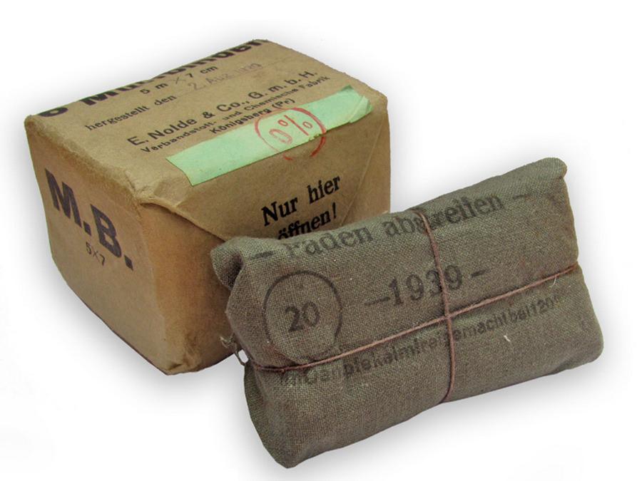 Mullbinden, Baumwolle, Papier, 1939, Leihgabe von Gerda Birkmann und Kate Harling, Nolde Königsberg